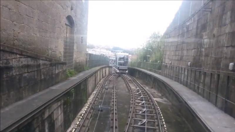 Cab Passing Spot (Porto Funicular)