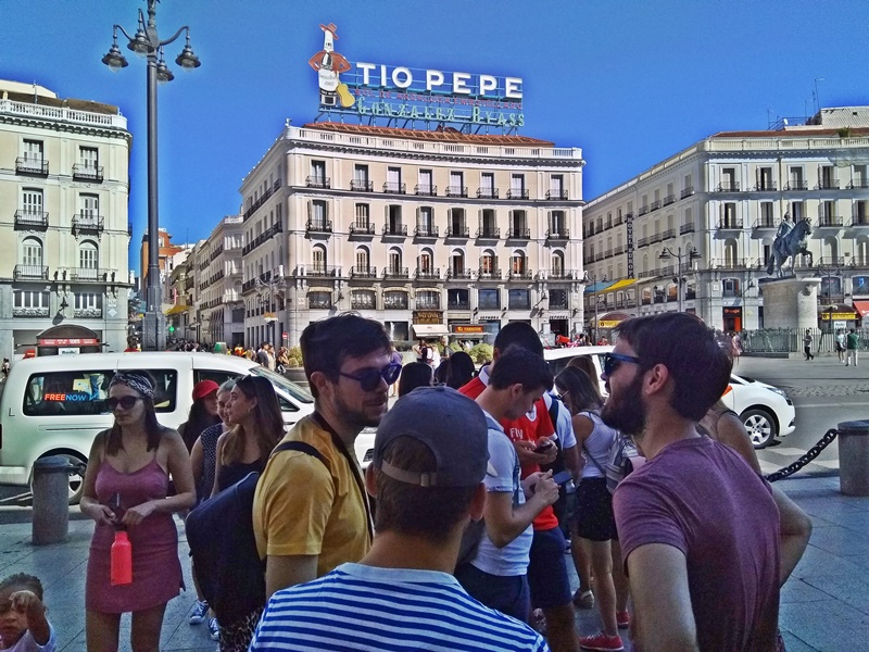 The crowds are just one of the things that make it hard to find Kilometre 0 in Madrid, Spain