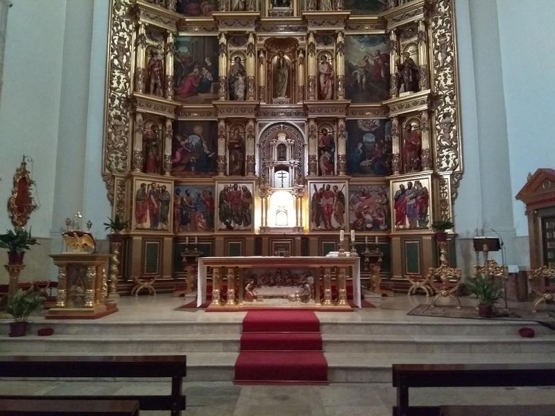 The Altarpiece at the Iglesia de Santa María de Magdalena is a replica