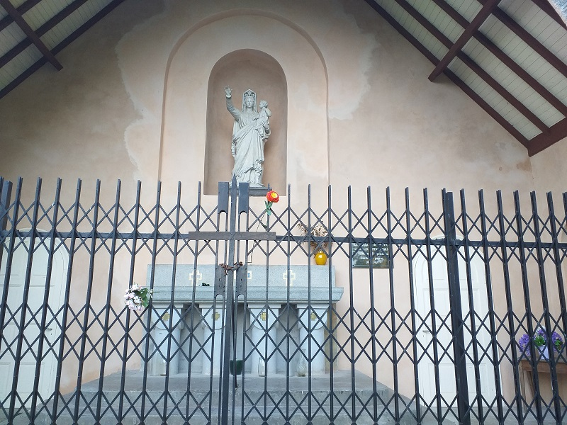 Statue of Virgin Mary at the Chapelle de Pennacorn